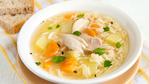 SUDAFED® Congestion Tips & Advice - Eating Hot Chicken Soup